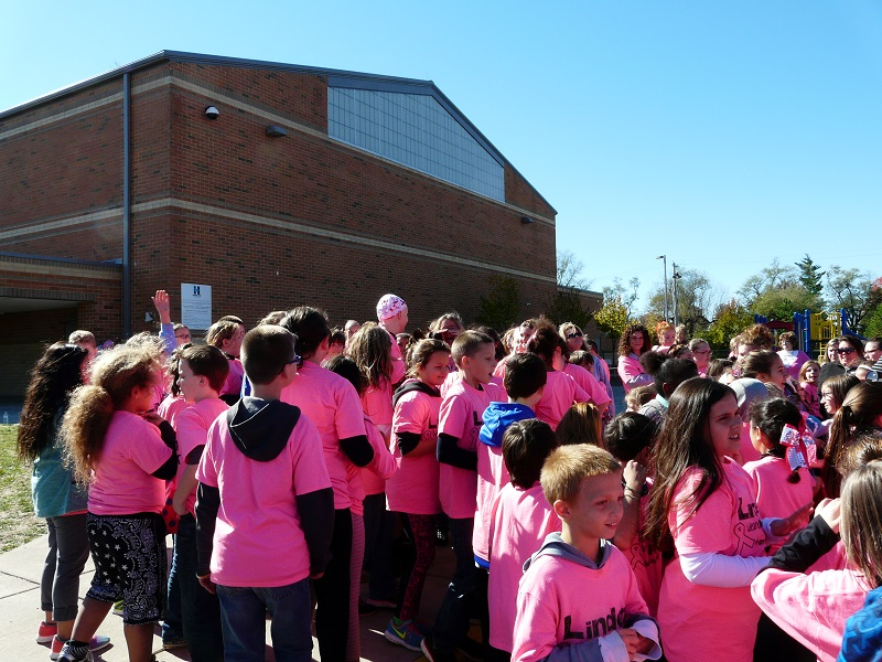 linden elementary turns pink to support the fight against